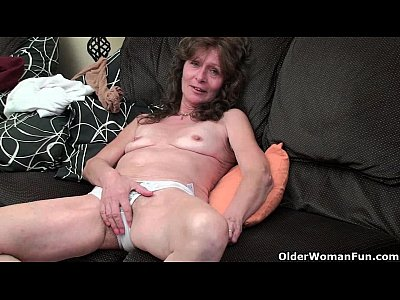 British Milf Mature vid: British grandma Vikki with her saggy tits finger fucks her hairy cunt