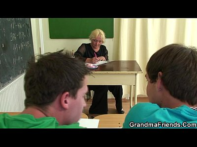 Granny Housewife Mature video: Dirty 3some with old teacher