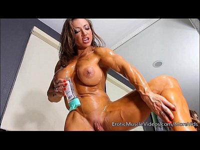 Solo Muscle Bigtits video: EroticMuscleVideos Oiling Sensual Female Muscles