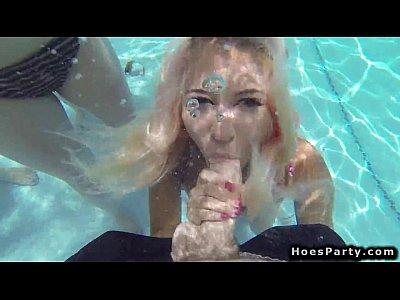 Imagen de La fiesta en la piscina se puso caliente y mecos por todos lados