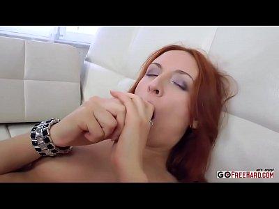 cornea rossa fa sesso anale e ottiene un viso