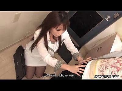 アジア可愛い吸引彼オフとても彼はcums彼女口