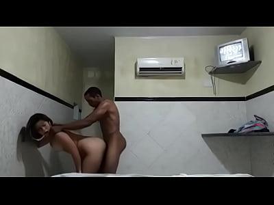 Traindo o namorado e levando gozada
