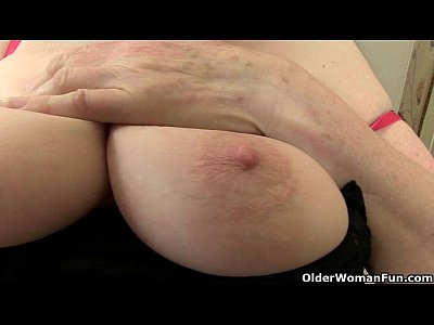 Cougar English Gilf video: British granny craves orgasmic delight
