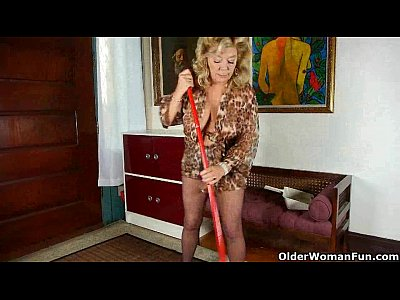 Milf Granny video: Granny rather masturbates than do housekeeping