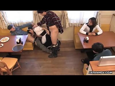 [爆乳]豊満のウエイトレスのセクシータイム!学園巨乳動画です。 – 巨乳おっぱい大学
