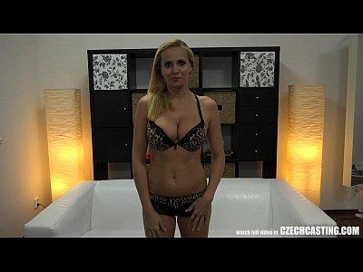 cazzo anale con tettona agente immobiliare