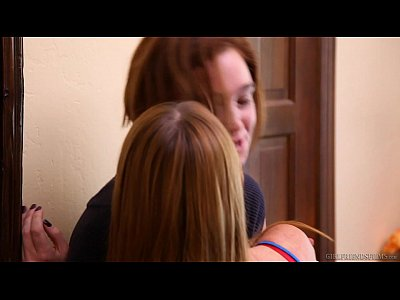 Babes Licking Lesbian video: Marie McCray and Jodi Taylor - Lesbian House Hunters
