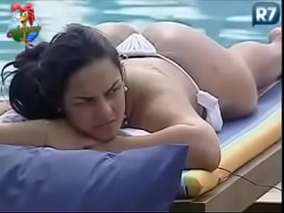 Porno Sexo Mulher melancia e piu piu de fio dental - a fazenda 3