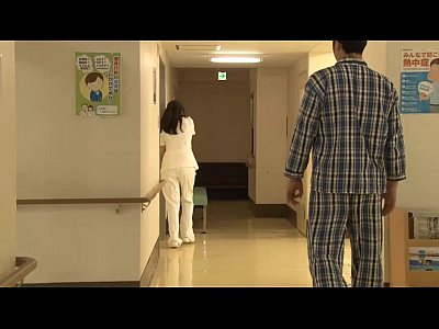 病棟内で患者の強引なキスで媚薬を飲まされ淫乱になったナースたち