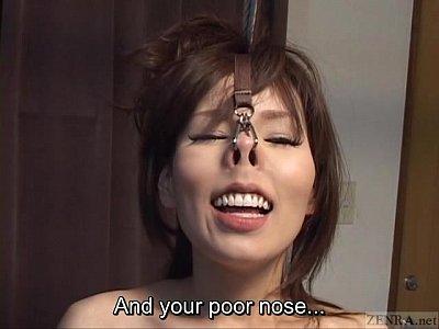 字幕CMNF日本語BDSM鼻フックと詳細