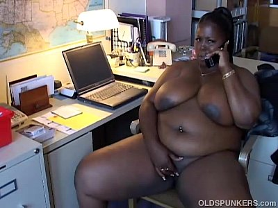 Belly Chubby Chunky video: Mature black BBW loves to talk dirty to you on the phone
