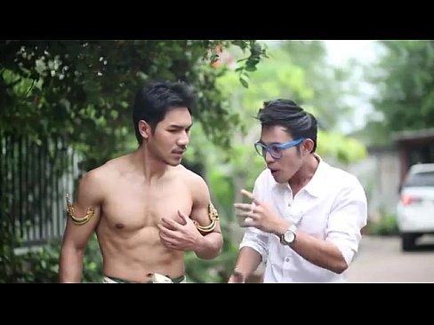 หนังเกย์ไทยแอบชอบเพื่อนรูมเมทตัวเองมาตั้งนานแต่ไม่กล้าบอกจนวันหนึ่งเจอคนแปลกหน้าที่ข้ามภพมา