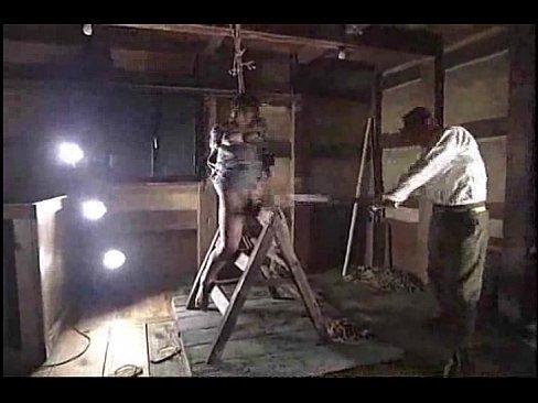 拷問をされる悲惨なお姉さん奴隷