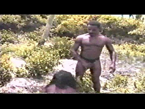 Suruba no mato dois homens e uma mulher