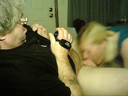 Namorado Deixa Webcam Ligada E Goza Na Boca Da Namorada