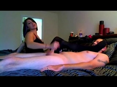 Brunette Gives Amazing Handjob Video Porno