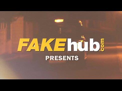Taxista falso troca  sexo por corrida