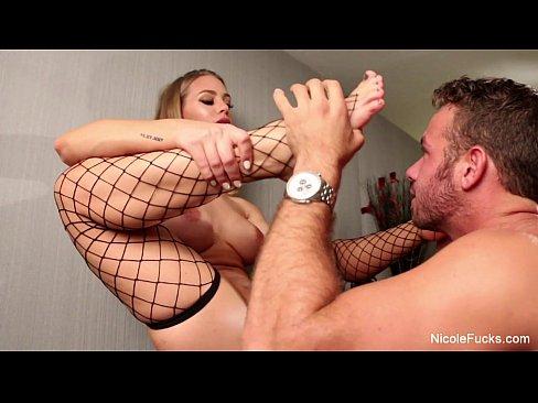 Nicole Aniston Foot Worship