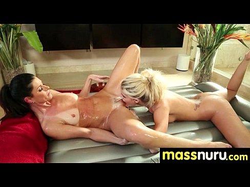 video-porno-lesbiyskiy-massazh