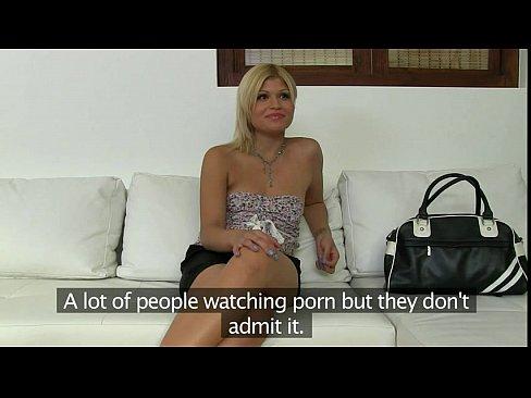 фото голых девушек у маньяка на цепи