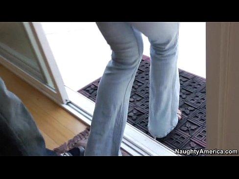 http://img-l3.xvideos.com/videos/thumbslll/08/68/12/0868123a53616e2f59cada3c4dea34d7/0868123a53616e2f59cada3c4dea34d7.4.jpg
