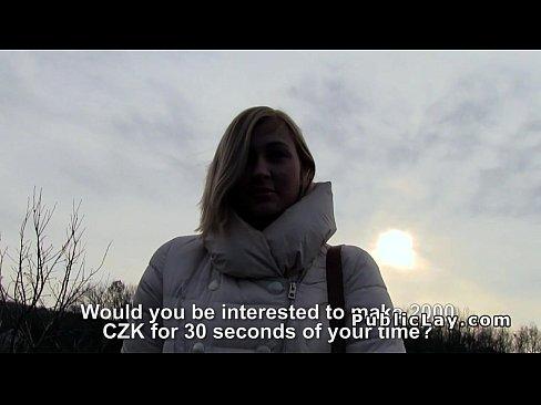 Ceha Studenta Face Ravagii Cand Baga Gura In Pula