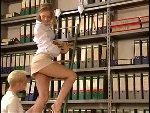 секс в библиотеке фото
