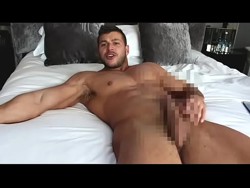 порно онлайн дамы с одним молодым