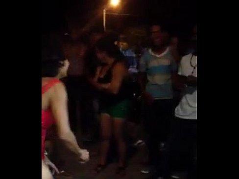 Putica dominicana en video porno