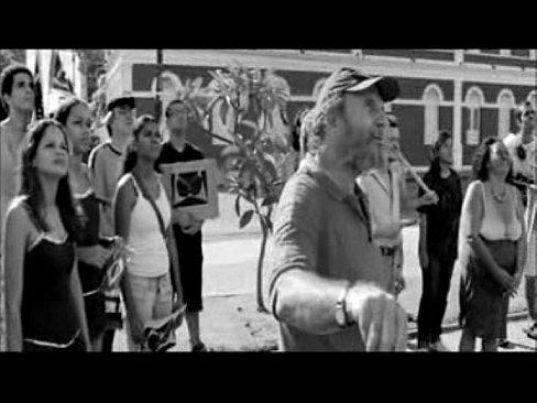 NANDA COSTA PELADA EM CENA DE FILME