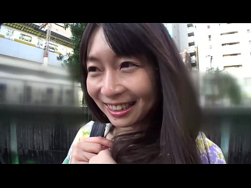 【無料エロ動画】こんな純情可憐な美少女がすごいボディだったので妊娠確...