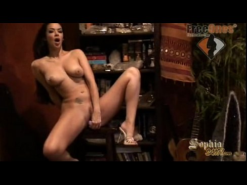 Sophia Santi Видео