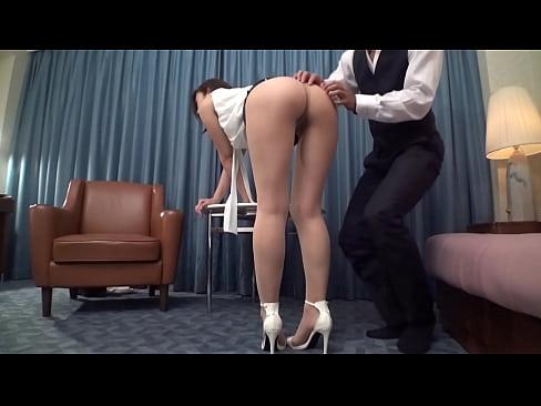 佐々木あき ショートカットの美巨乳妻とセックス!濃厚フェラの後、立ちバックで突かれて喘ぎまくるww