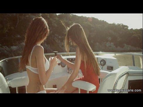 http://img-l3.xvideos.com/videos/thumbslll/18/54/6d/18546dc7f5c16a7cbfb71d4e196e4d47/18546dc7f5c16a7cbfb71d4e196e4d47.5.jpg