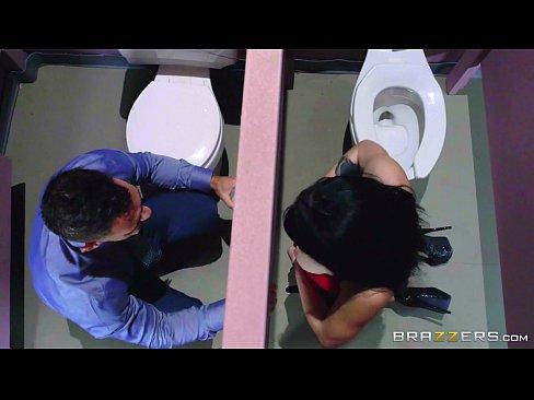 Noelle Easton Love Bathroom Gloryholes Brazzers.com Hot Porn 7 Min
