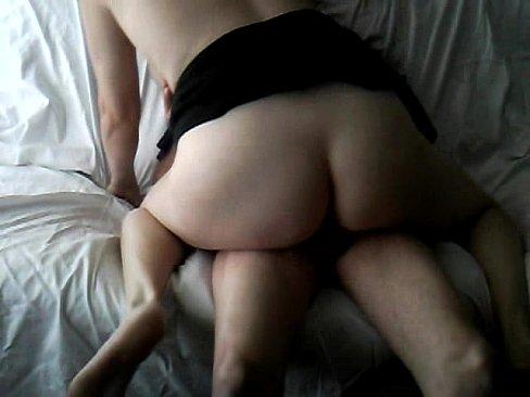 Image Esposa safada sentando no caralho do maridão