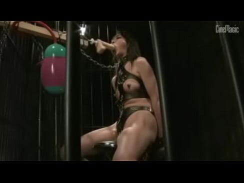 浣腸される女刑事