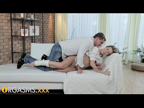 Orgasm La O Varsta Frageda,Dar O Fute Bine Rau
