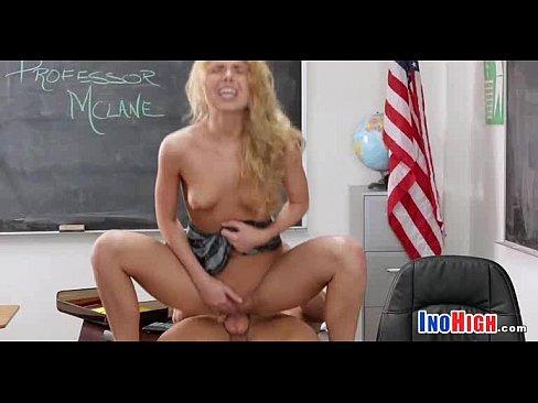 анальная мастурбация видео 2 девушки