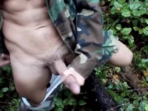 parni-v-armii-drochat-video