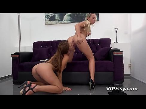Bkack shaved pussy