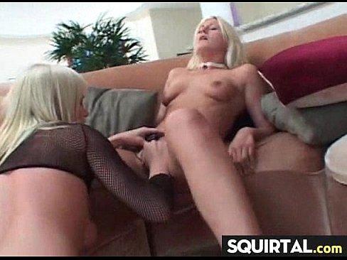 сексуальная девушка кончает на вебкамеру очень очень хорошее 1