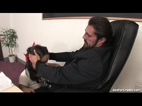 http://img-l3.xvideos.com/videos/thumbslll/23/92/14/2392147069a2d1508ffdb64f9d4a95d8/2392147069a2d1508ffdb64f9d4a95d8.8.jpg