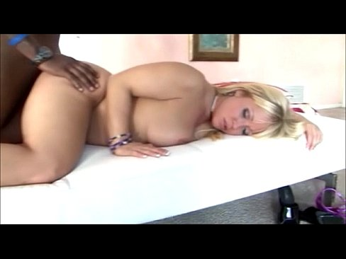 sexy nude white women sucking duck