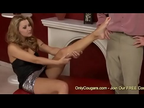 Milf and her footjob
