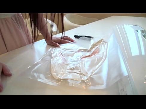 【水野優】童顔美少女の水野優奈がオナニー使用の生パンツを素人男子にプレゼントしちゃう問い合わせ殺到企画がコレw【xvideos】