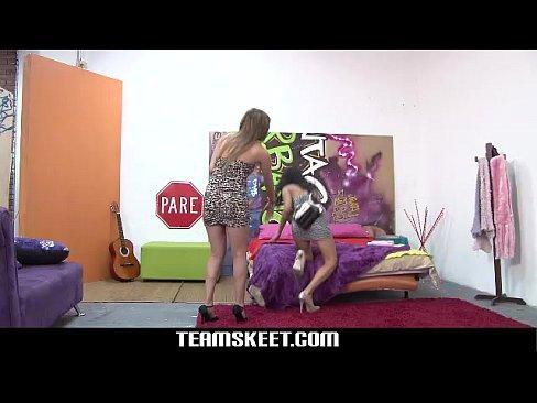 http://img-l3.xvideos.com/videos/thumbslll/2f/00/3e/2f003e19b507d3e854c987bfe1a2b341/2f003e19b507d3e854c987bfe1a2b341.2.jpg