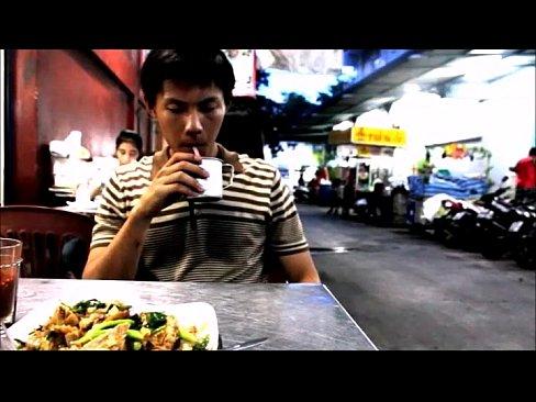 หนังเกย์ไทยดูแล้วได้อารมณ์มากโทรสั่งพิซซ่าแต่ฝนตกกลับไม่ได้เลยโดนเด็กส่งพิซซ่าเย็ดตูดอย่างเสียวเลย
