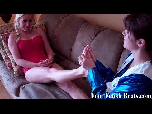 http://img-l3.xvideos.com/videos/thumbslll/31/8c/94/318c94f9ef4c352bbcc09bb60fbaa206/318c94f9ef4c352bbcc09bb60fbaa206.2.jpg